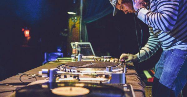 Be a DJ - Passez derrière les platines !