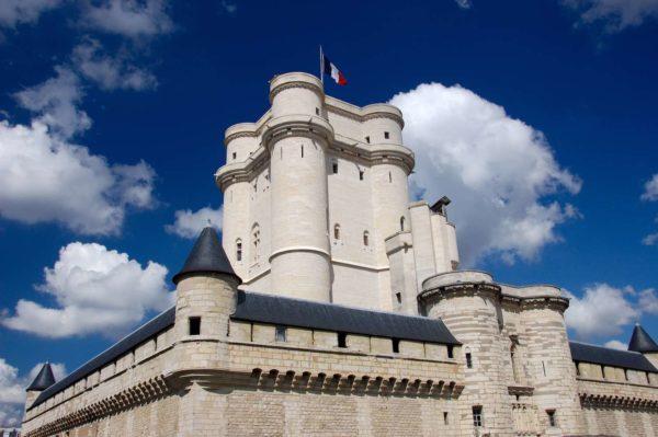Enigme au Château de Vincennes - La boîte empoisonnée